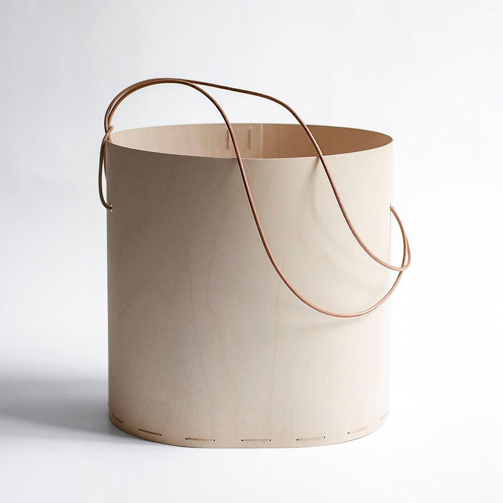 Round basket by Tuulia Penttilä
