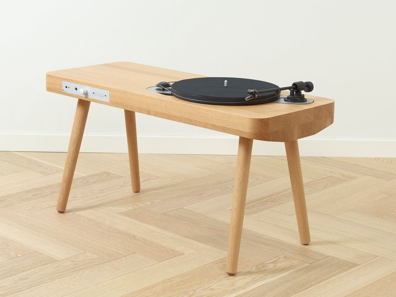 Wooden Turntable record player by Harri Koskinen