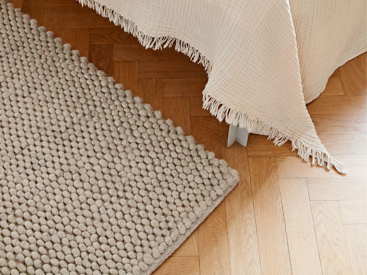 Hay Peas wool rug in soft grey