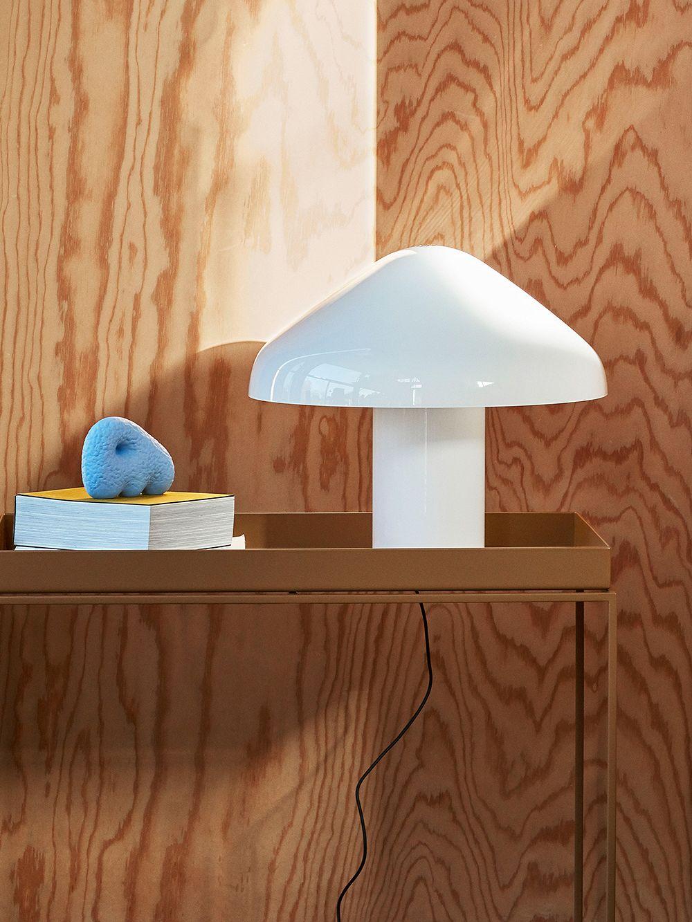 Hay Pao table lamp