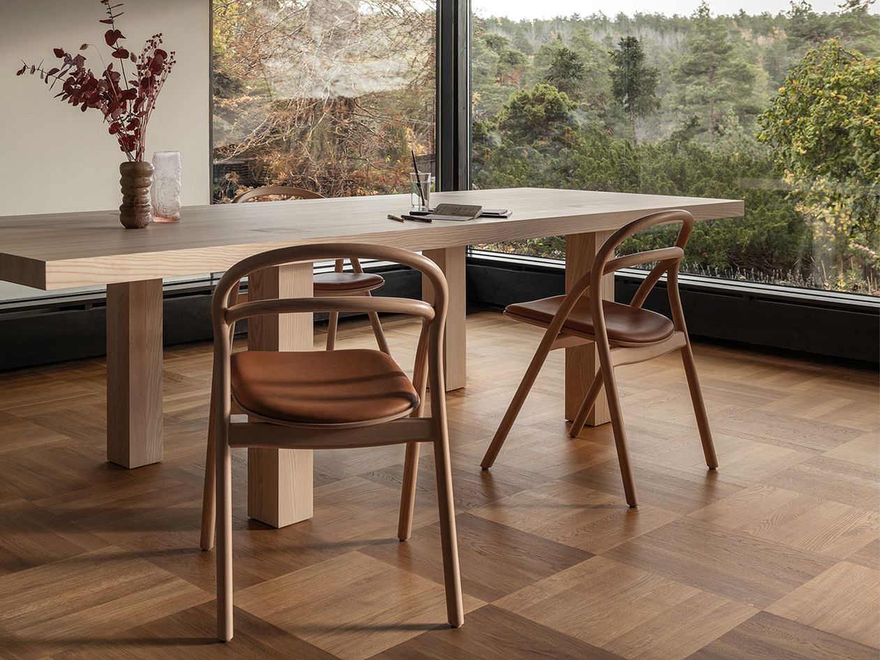 Hem Udon chairs in cognac-colored leather