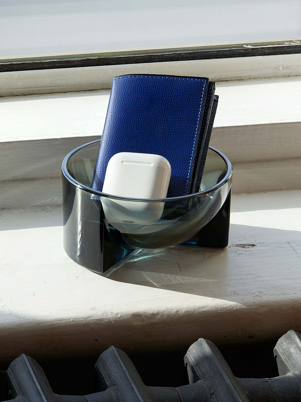 Iittala Kuru glass bowl, grey