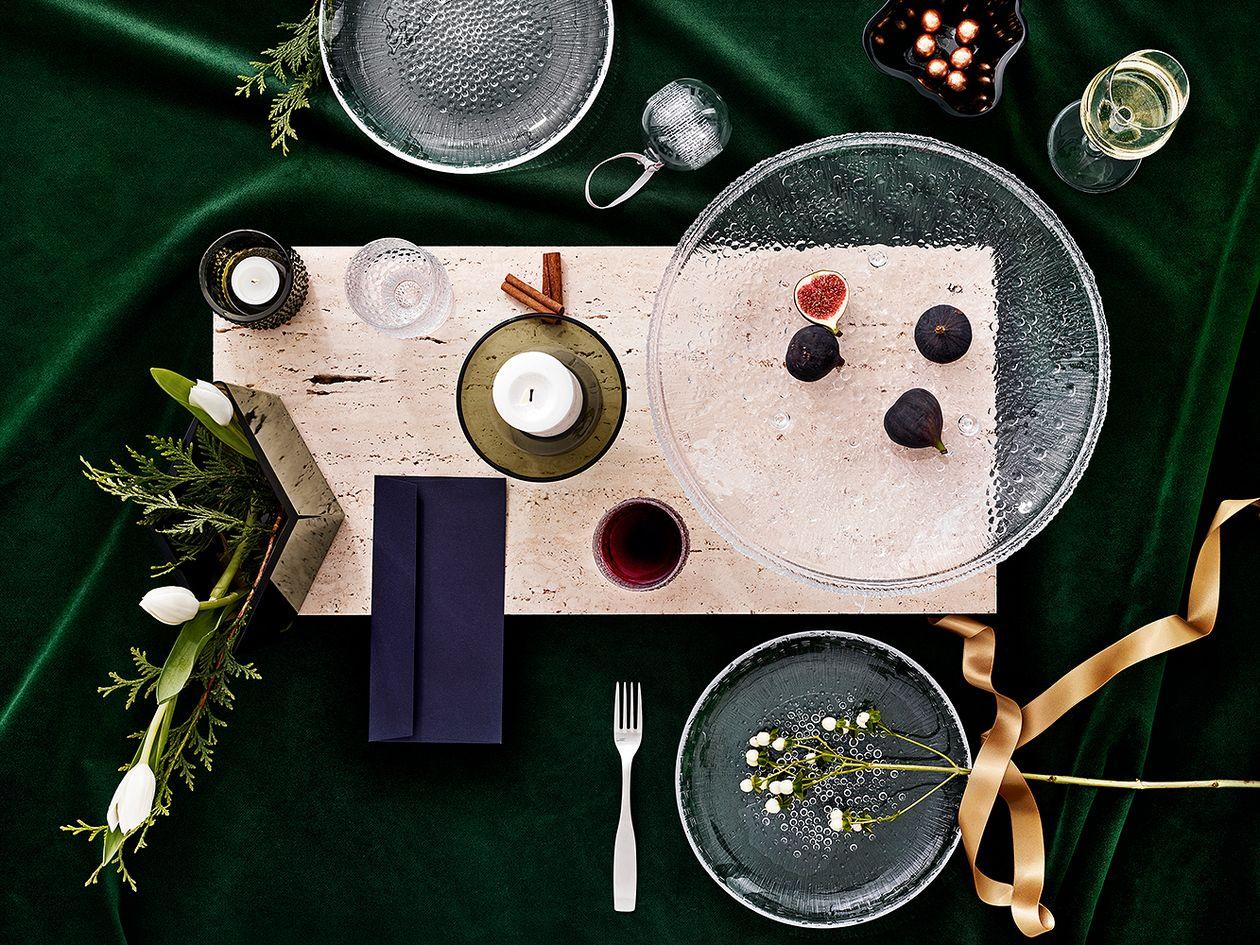 Iittala's Ultima Thule serving platter
