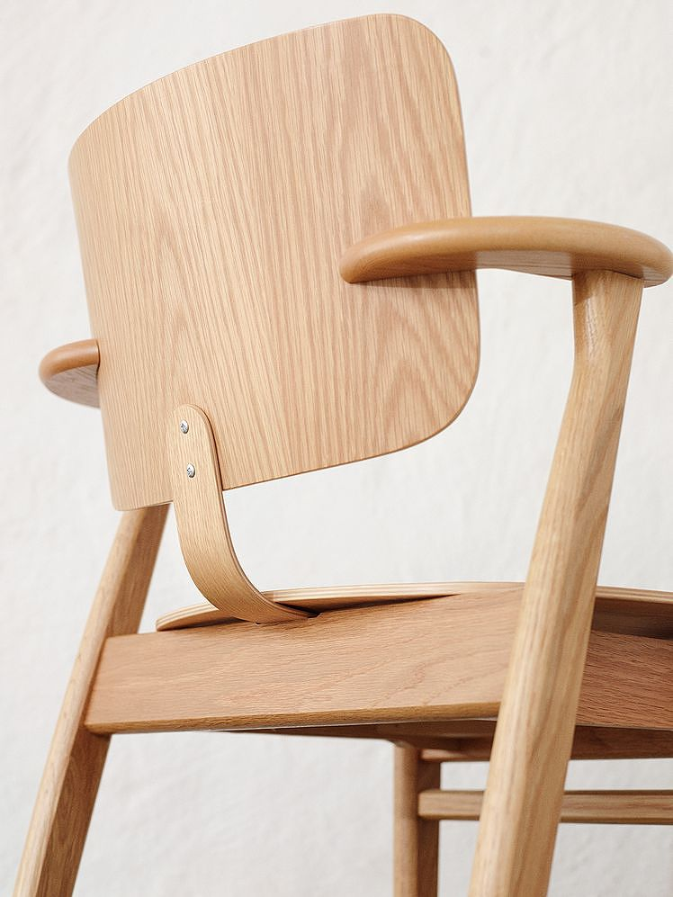 The Domus chair