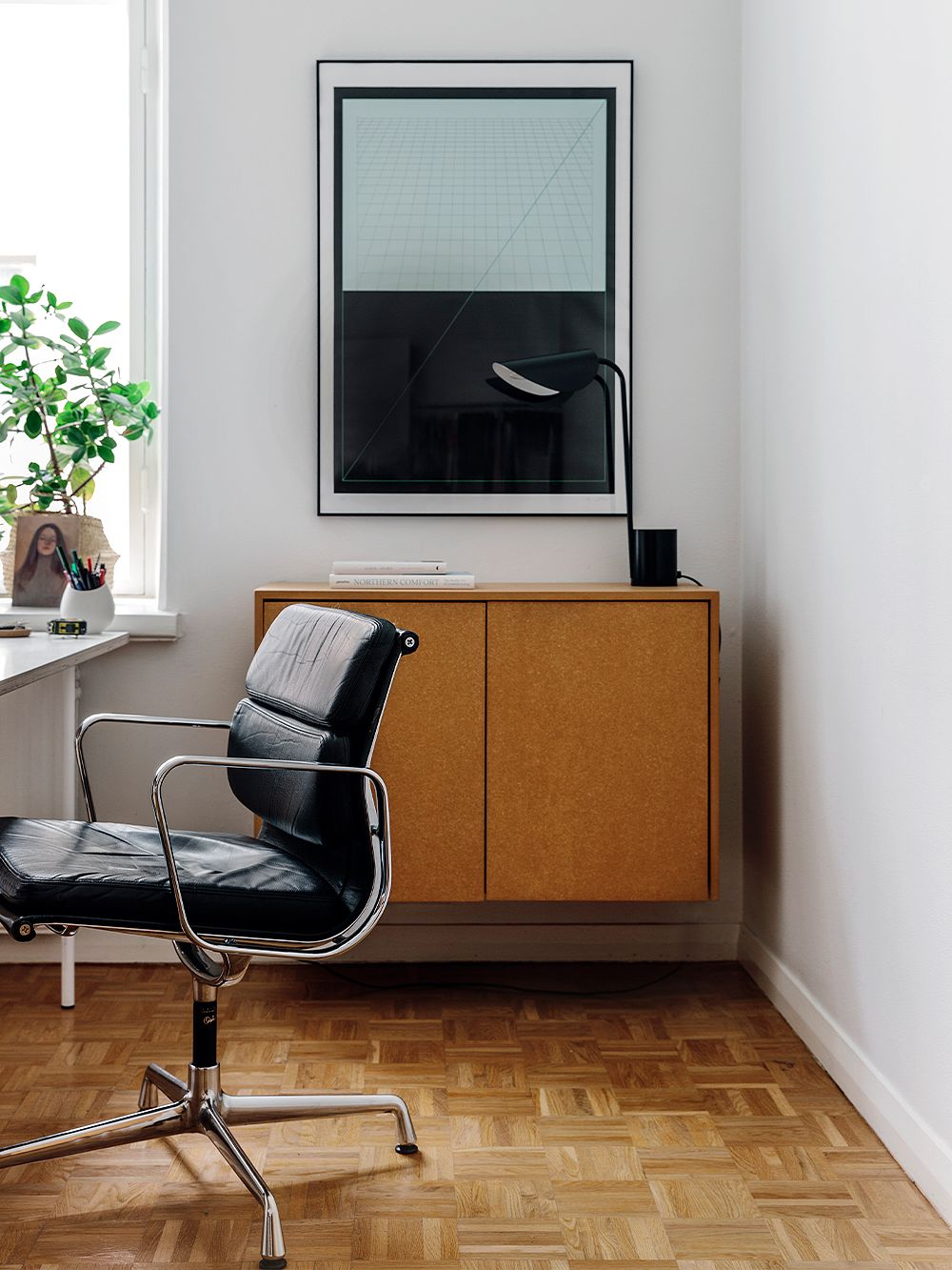 Vitra Soft Pad chair