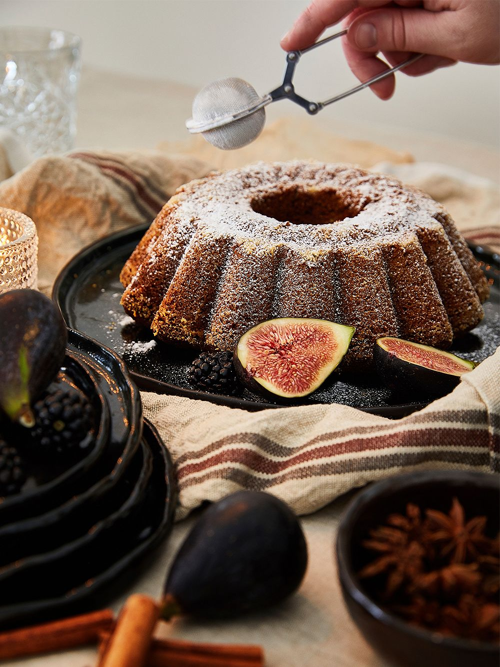 Date cake with figs