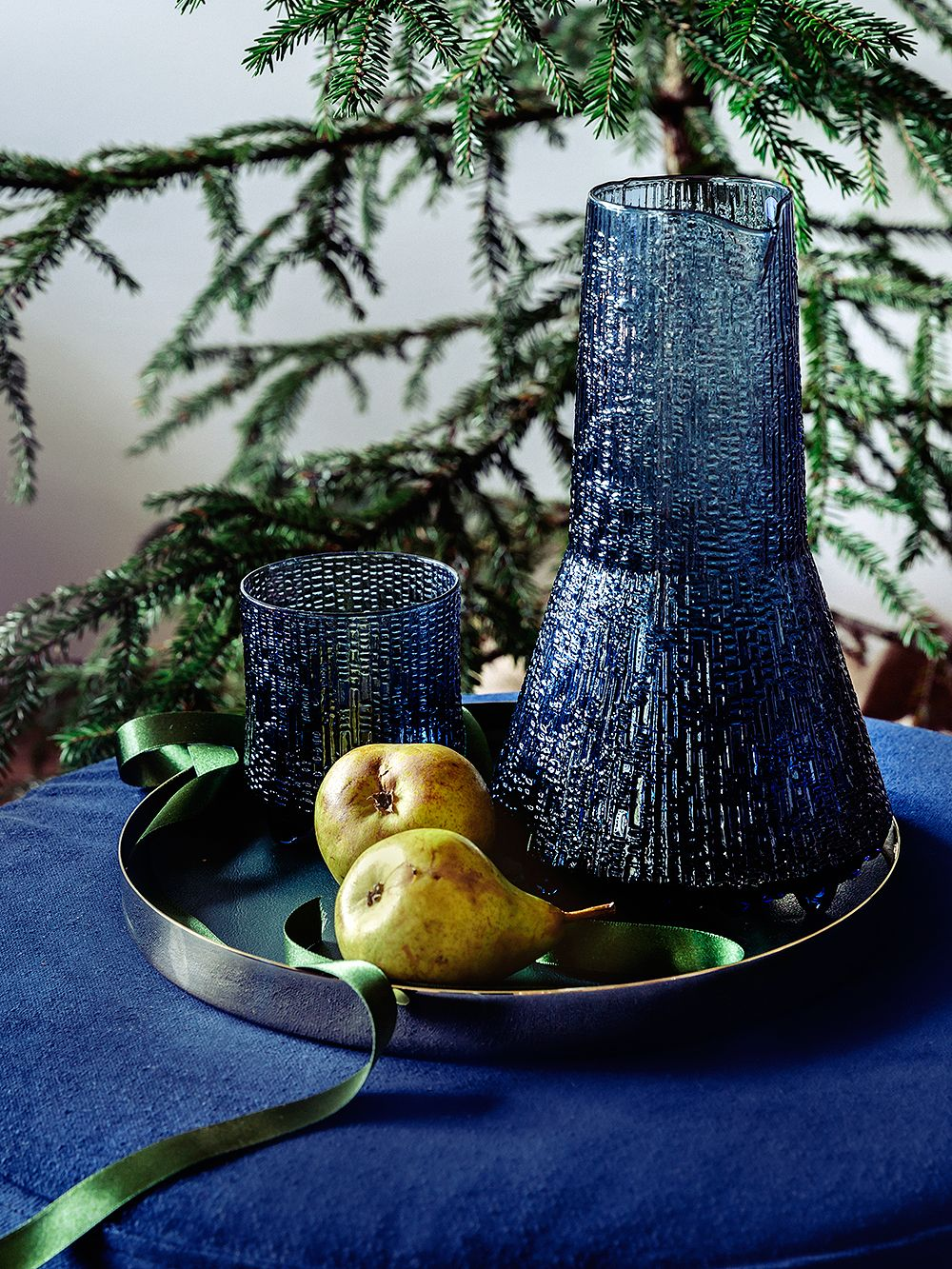 Iittala Ultima Thule pitcher set in rain blue