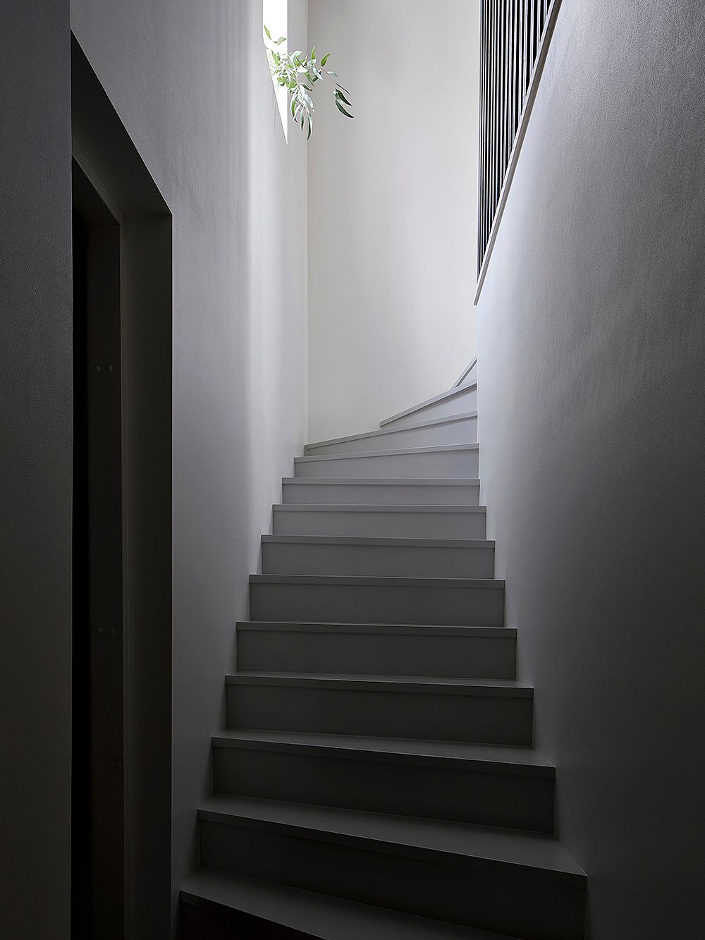Staircase painted gray with Betolux
