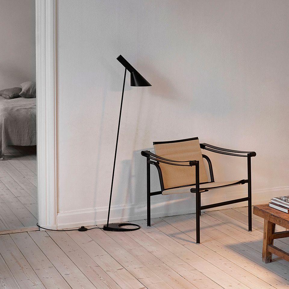 Louis Poulsen AJ floor lamp in black