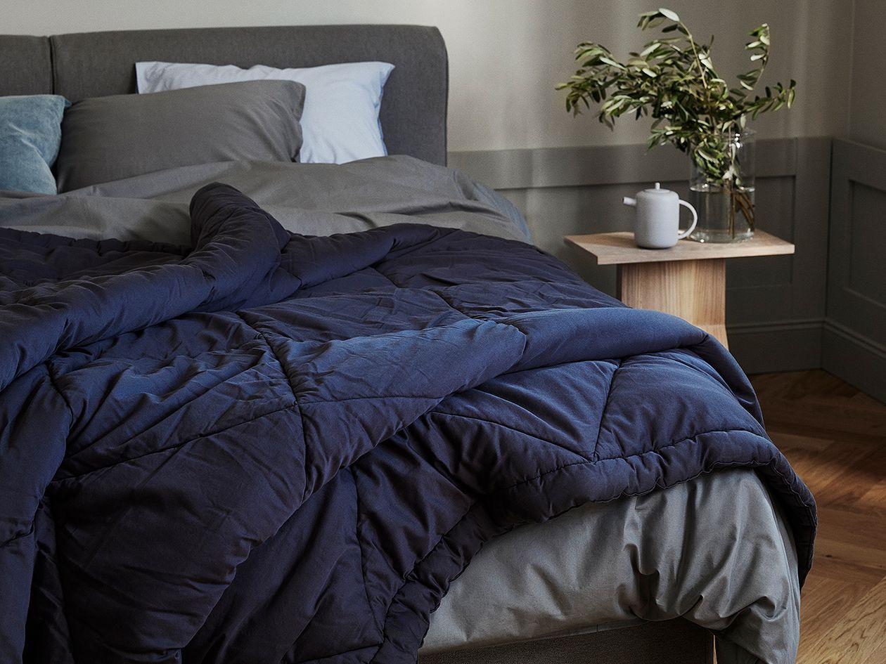Matri Piia bed cover in blue