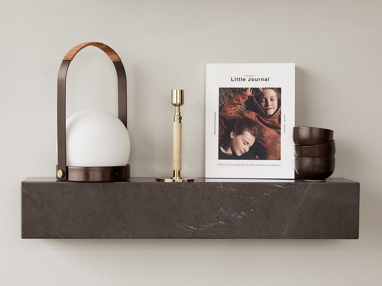 Menu Carrie LED table lamp, bronzed brass - leather