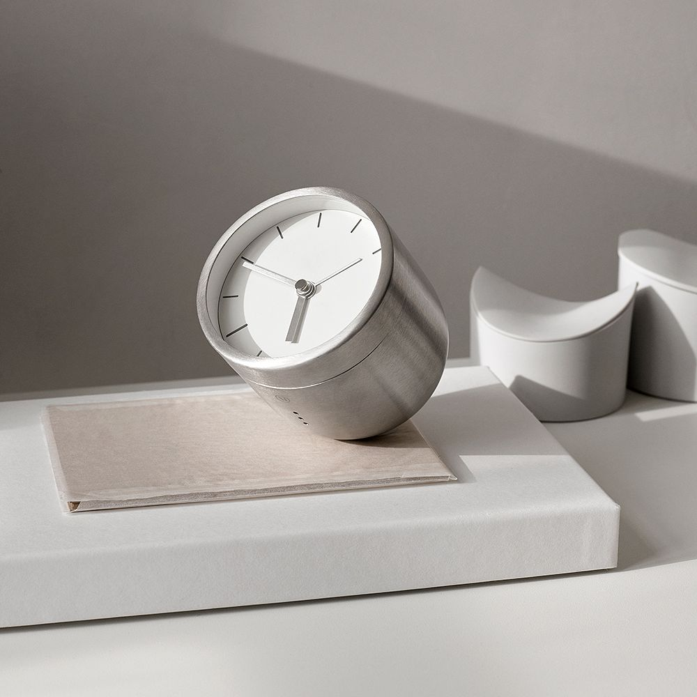 Menu Norm Tumbler alarm clock