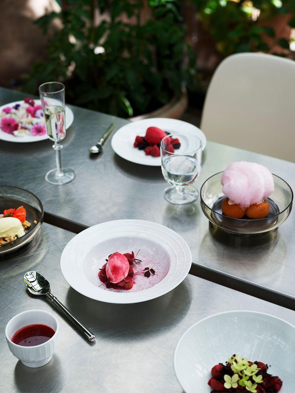 Tivoli Banquet tableware