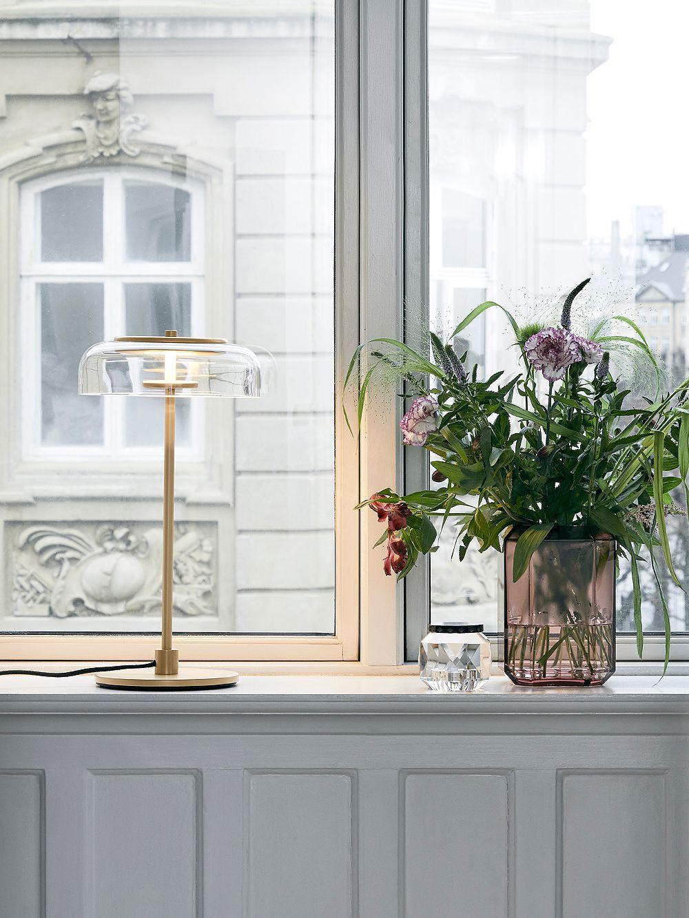 Nuura Blossi table lamp