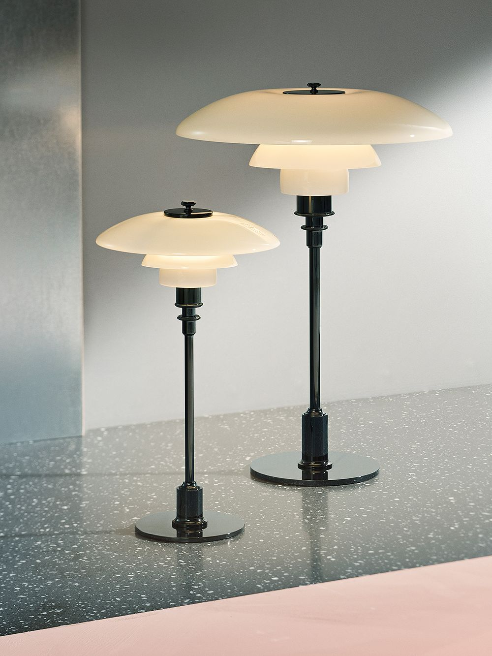 Louis Poulsen PH 3/2 table light