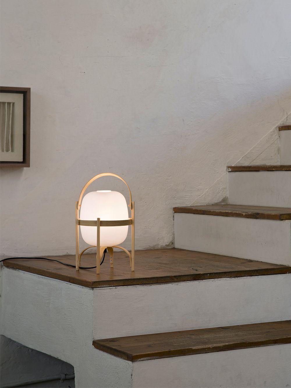 Santa & Cole Cestita table lamp