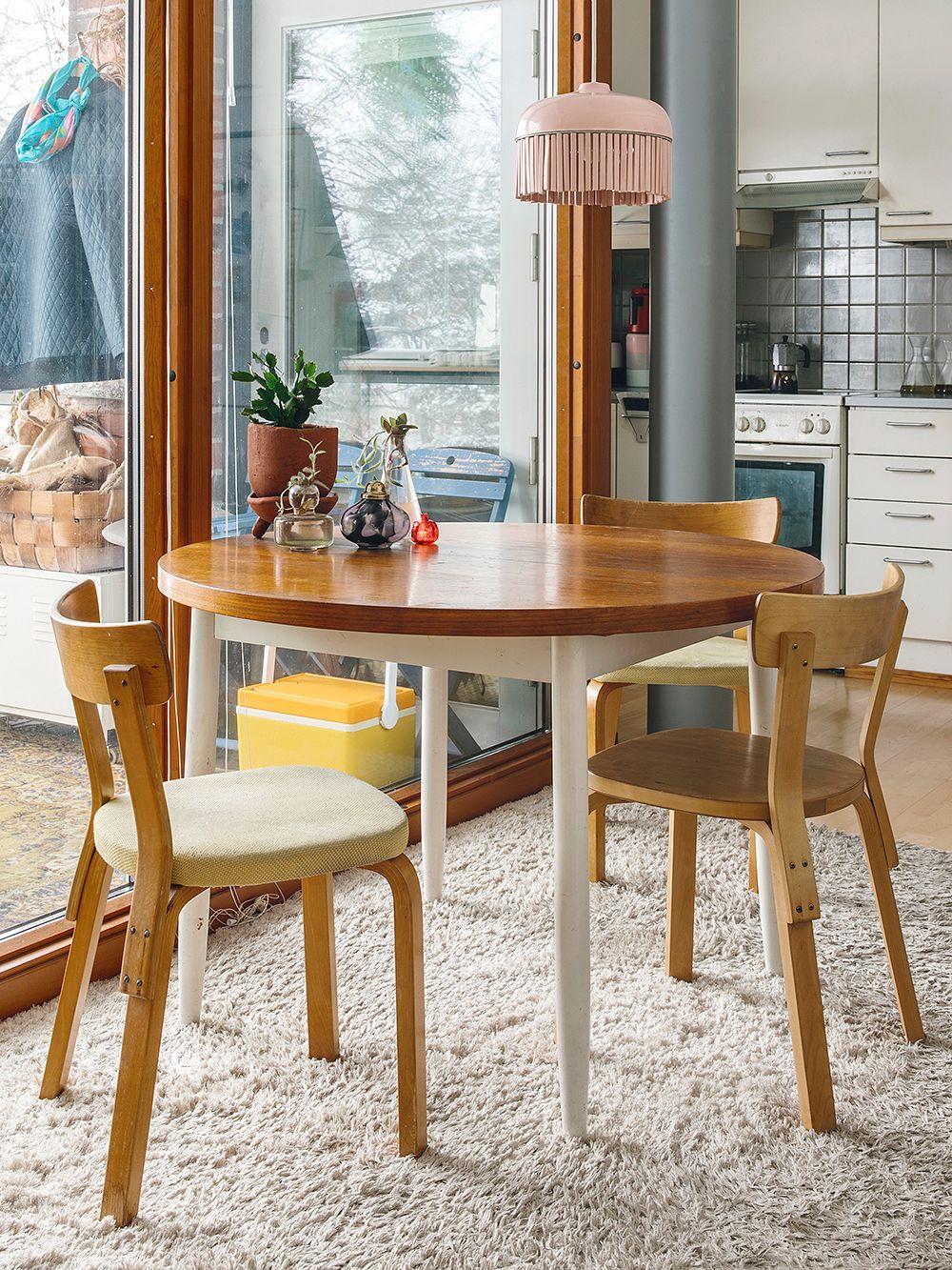 Artek 69 chairs around a table