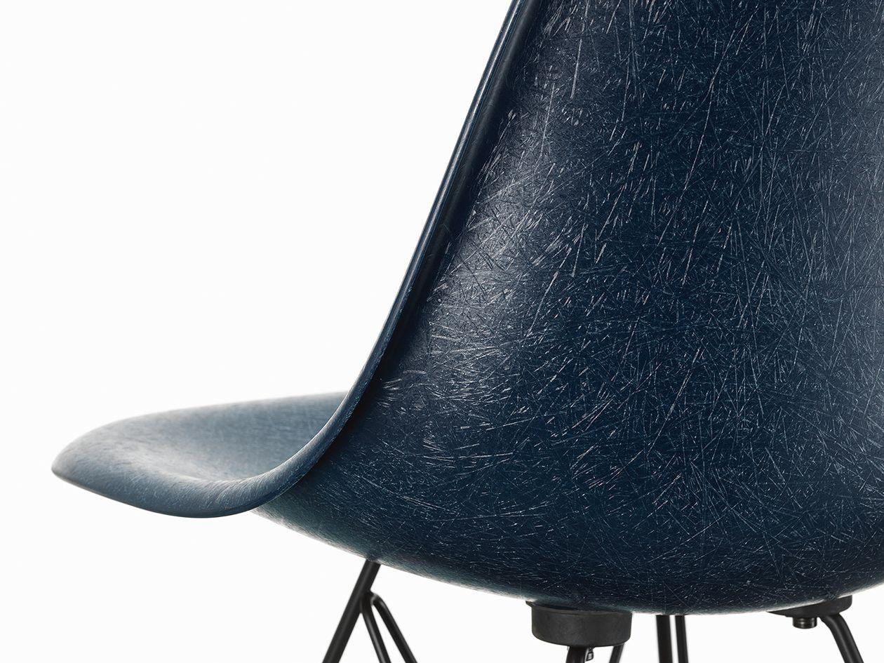Vitra Eames Fiberglass Chair in navy blue