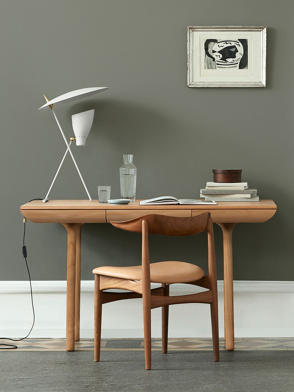 Warm Nordic Silhouette table lamp, white