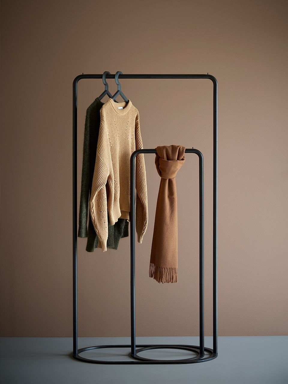 Woud O&O clothes racks