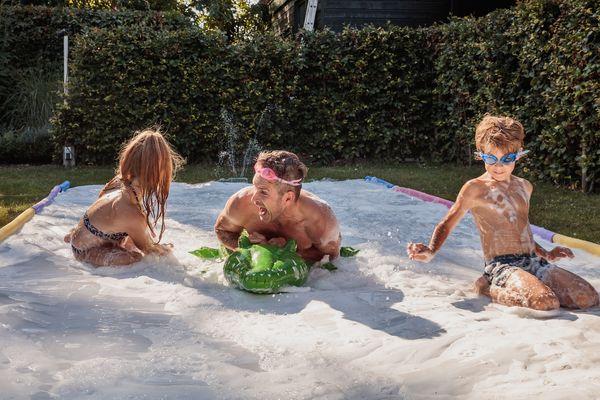 Center Parcs Thuis' zomer-DIY: maak samen een eigen wildwaterbaan