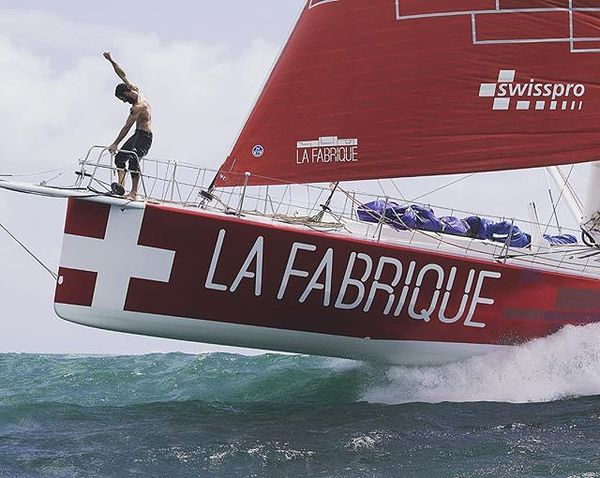 Wir gratulieren Alan zu seinem fantastischen siebten Platz im Rennen der Route du Rhum! Nach 15 Tagen auf hoher See von Frankreich in die Karibik, läuft er im Zielhafen ein. . swisspro est fier de féliciter Alan Roura pour sa route du rhum incroyable et sa magnifique 7ème place. Nos félicitations également à l'ensemble du team qui a rendu cette performance possible. Un immense bravo à tous! . . . #swisspro#swissprogroup#bewirbdichjetzt#teamwork#sponsoring#Elektroinstallationen#ICT#BCT#Électrotechnique#CommunicationTIC#Informatiquedubâtiment#Zurich#Switzerland#18Standorte#18sites#joinourteam#alanroura#vendéeglobe