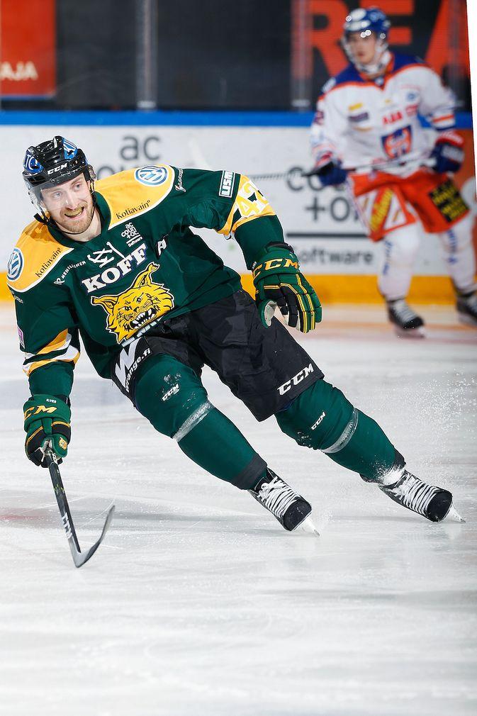 Sami Sandell ehti pelata kahdella viime kaudella vain kahdeksan ottelua. Kuva: Jukka Rautio / Europhoto
