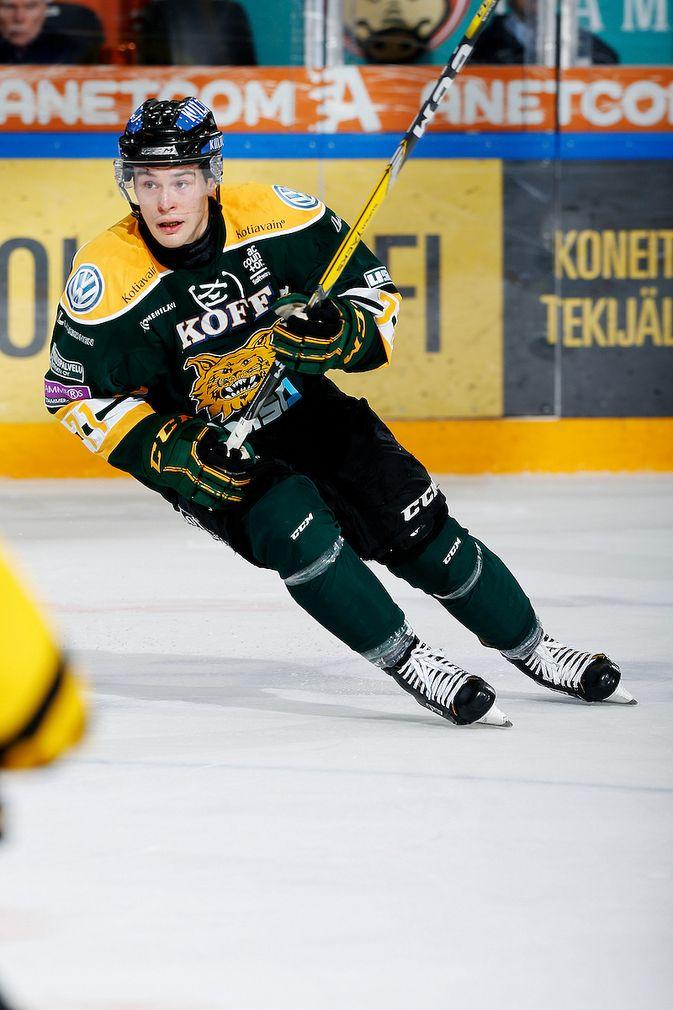 Tapio Laakson peli kulkee, mutta Ilveksen ei. Kuva: Jukka Rautio / Europhoto