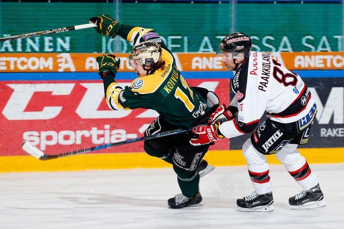 Otto Koivula kantoi kultaista kypärää ajoittain jo viime kaudella. Kuva: Jukka Rautio / Europhoto