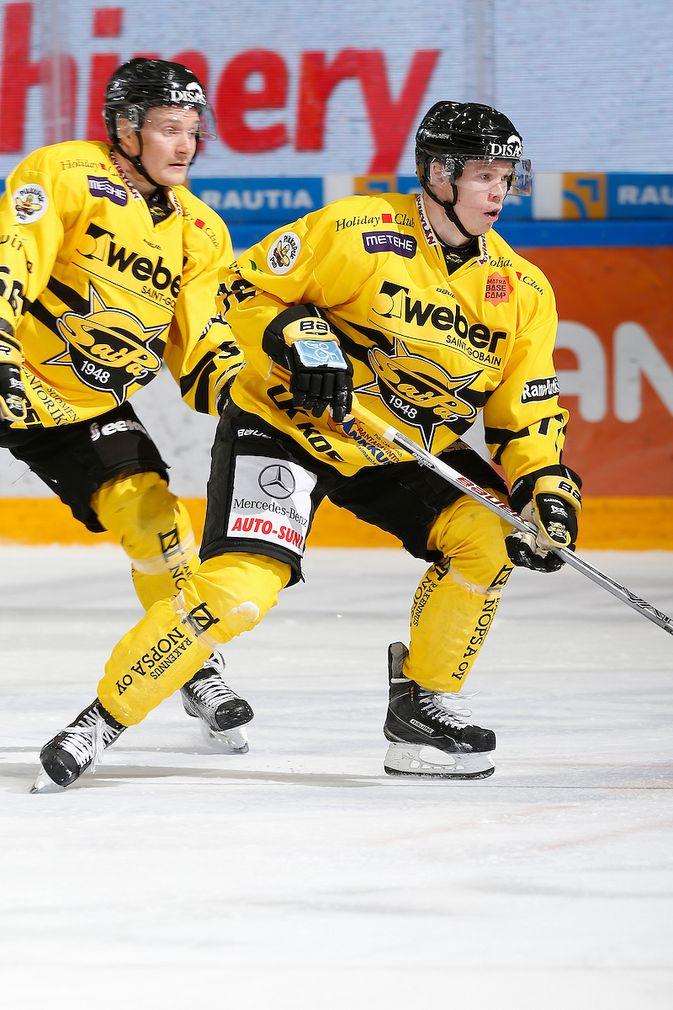 Elmeri Kaksonen on SaiPa-hyökkäyksen ainoa nimekkäämpi pelaaja. Kuva: Jukka Rautio / Europhoto