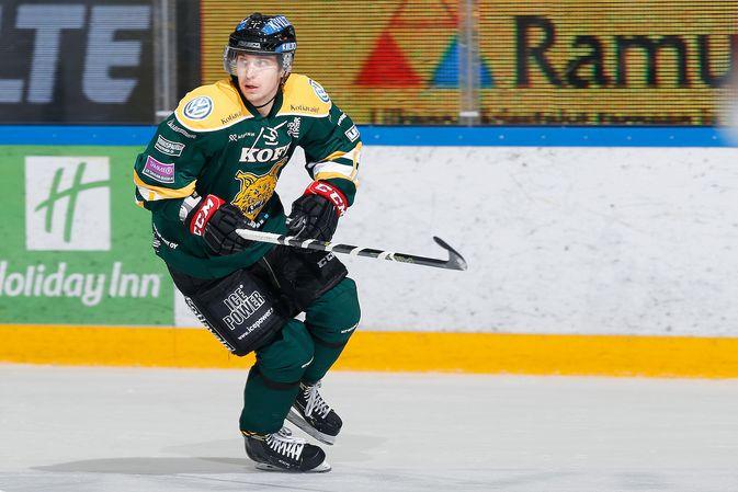 Laiturina paremmin tunnettu Michael Keränen sentteröi Ilveksen kakkosketjua. Kuva: Jukka Rautio / Europhoto (Arkistokuva)