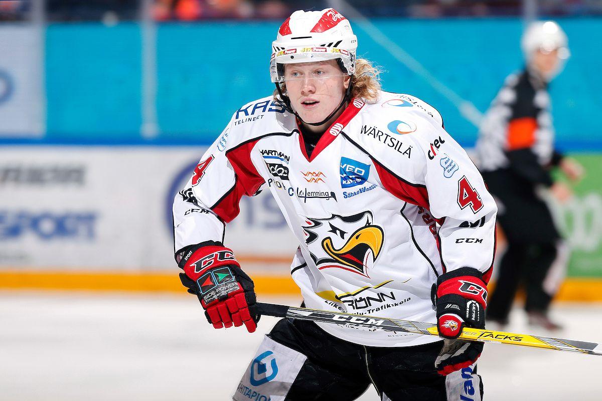 Robin Salo oli Sportin kärkipuolustajia jo 18-vuotiaana. Kuva: Jukka Rautio / Europhoto