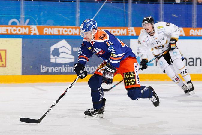Charles Linglet oli heti ensimmäisessä ottelussaan pelipäällä. Kuva: Jukka Rautio / Europhoto
