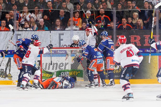 Miro Heiskanen oli pyörittämässä ylivoimaa sekä HIFK:n toisen että kolmannen maalin aikana. Kuva: Jukka Rautio / Europhoto