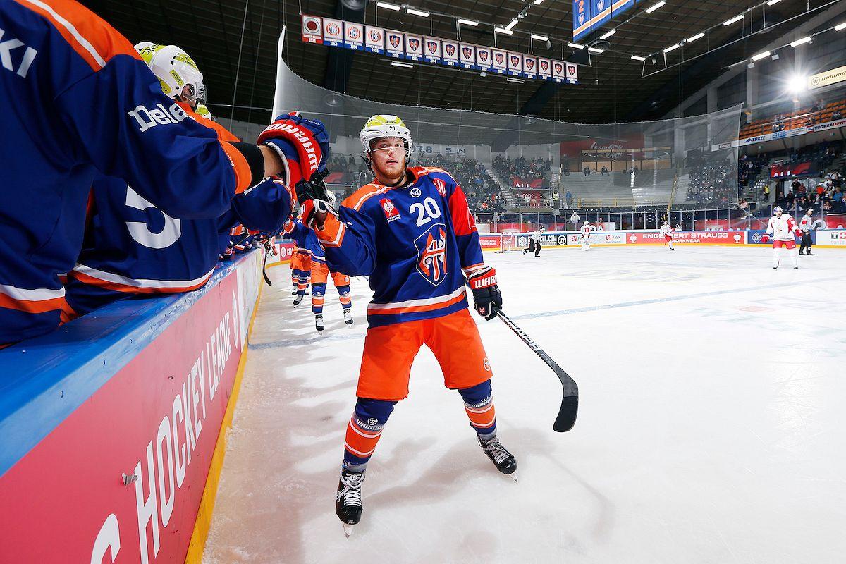 Niko Ojamäki tuulettaa 2-2-osumaa. Kuva: Jukka Rautio / Europhoto