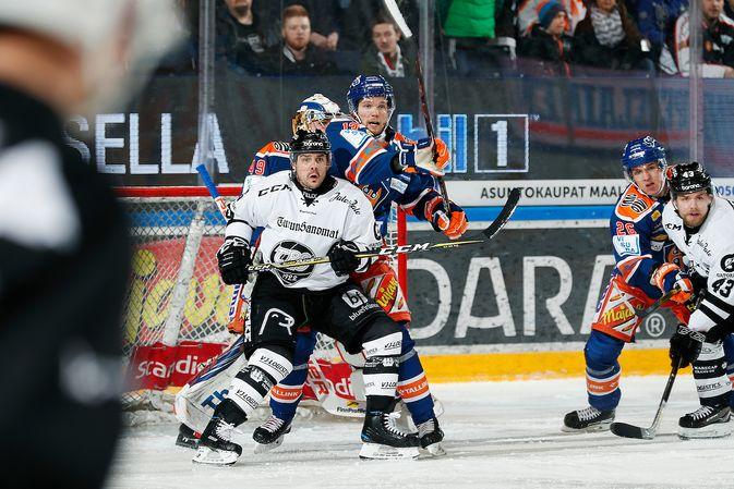 Eric Perrin oli läpi ottelun erittäin vahva Tappara-maalin edessä. Kuva: Jukka Rautio / Europhoto