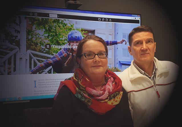Tiina ja Ismo webinaarissa antamassa vinkkejä opettajille