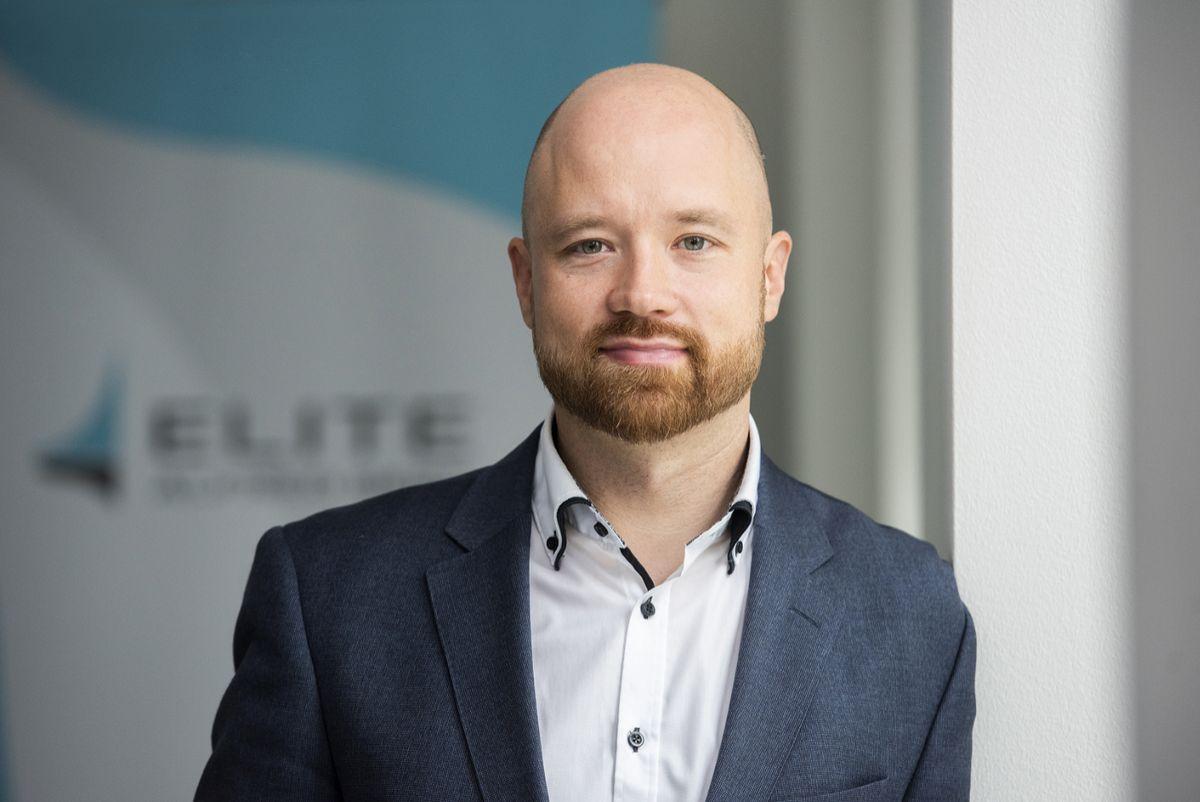Elite Palkitsemispalveluiden johtaja Jaakko Hänninen