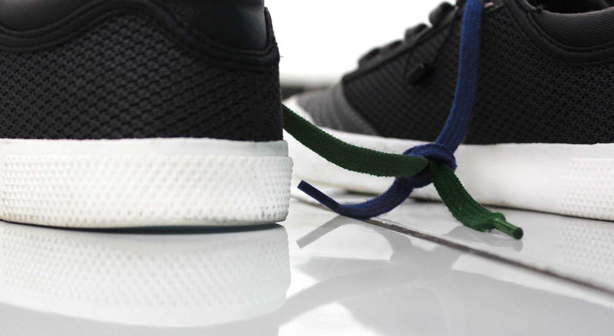 kengännauhat solmussa