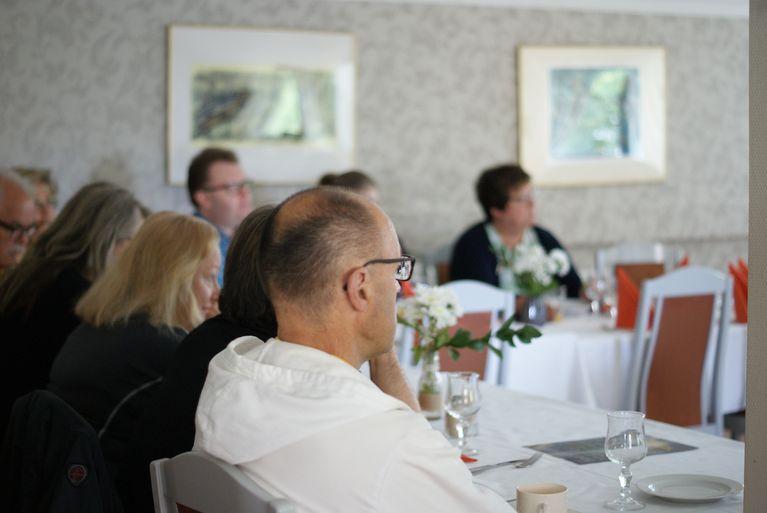 Jäsenyritysten edustajat Rakastunut Raumaan- nettisivujen julkistustilaisuudessa