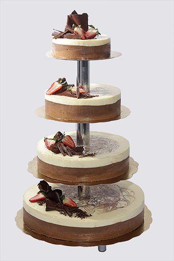 Kolmen suklaan kakku – Kahvila-konditoria Prassen
