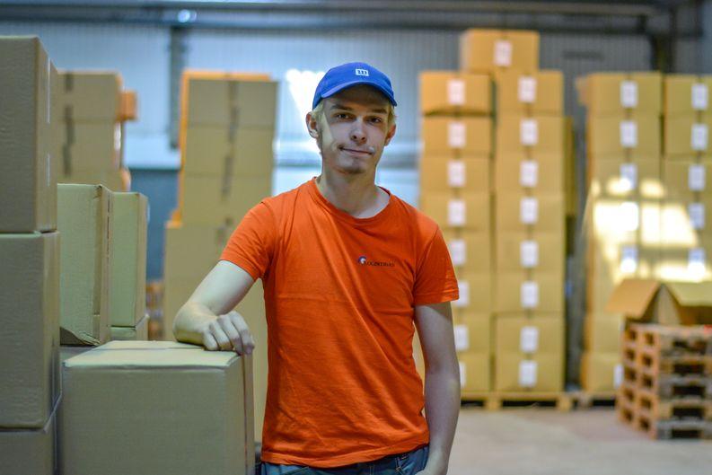 Logistikas Oy:n kesätyöntekijä Leevi Kirjavainen