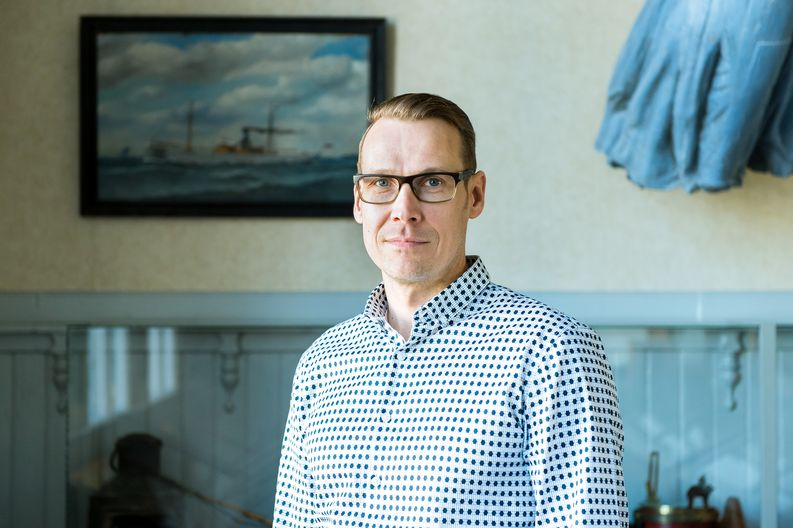 The manager of procurement and logistics services for Teollisuuden Voima Plc, Mikko Alapeteri