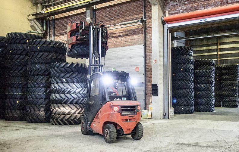 Logistikas Oy ja Bridgestone yhteistyöhön