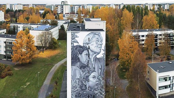 A gorgeous mural in Kaukajärvi, Tampere.