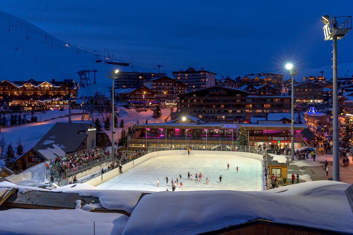 La patinoire nocturne à l'Alpe d'Huez