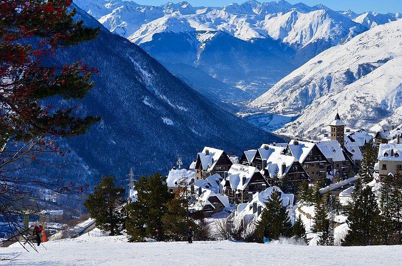 """Espagne Andorre location Pierre et Vacances séjour aux sports d""""hiver"""