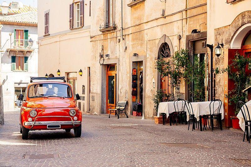 Vue d'une rue typique de Rome