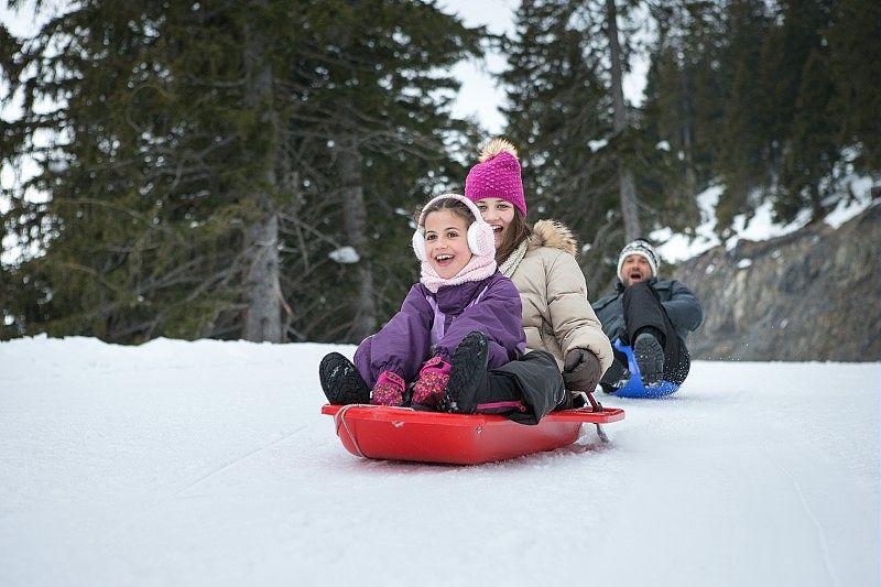 Luge sports d'hiver montagne