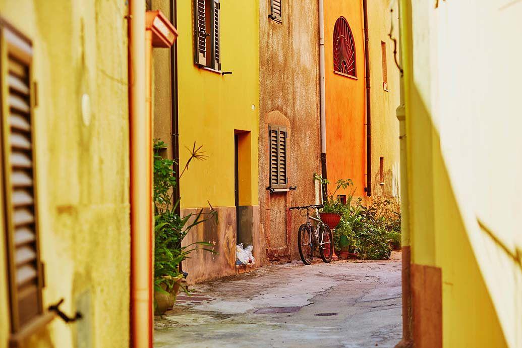 Une ruelle typique en Sardaigne